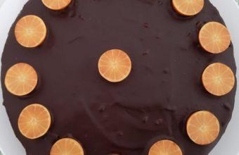 Tarta de chocolate rellena de mermelada de naranja de Tres Martínez