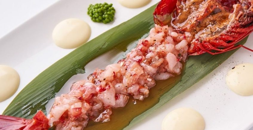 Tartar de carabineros extra con mahonesa de yuzu y perlas de wasabi en Francisco el de Siempre de El Palmar
