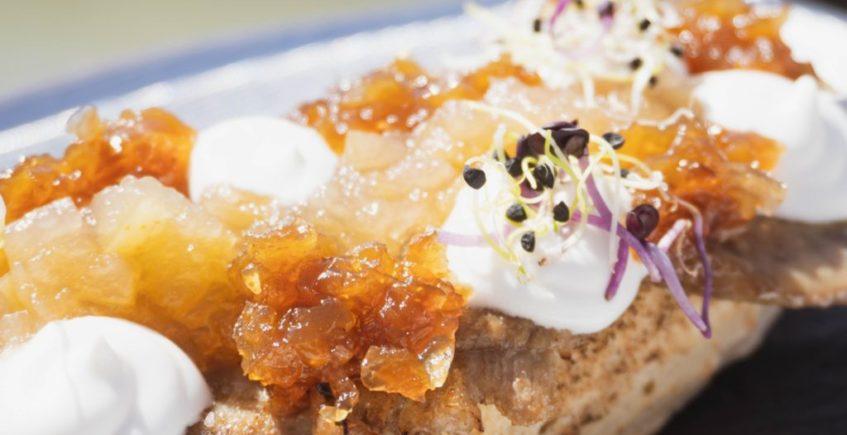 Ternera a baja temperatura con cebolla caramelizada en Popeye de Chiclana