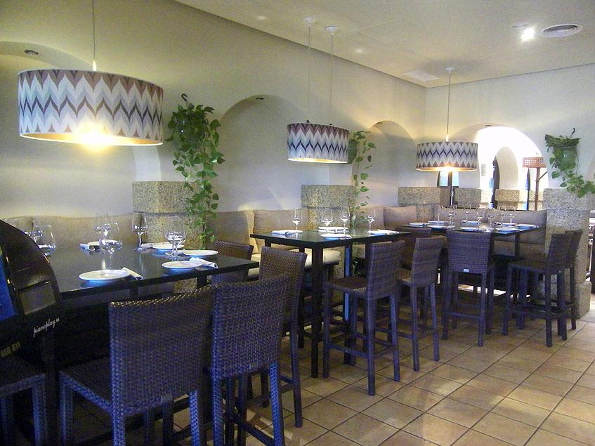 Aspecto de la nueva zona de tapeo del restaurante La Piedra. Foto: Cosasdecome