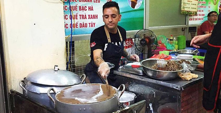 El gastromochilero gaditano que recorrió cocinas de media Asia