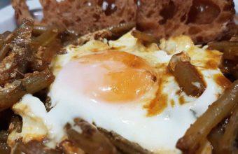 Tagarninas con huevo
