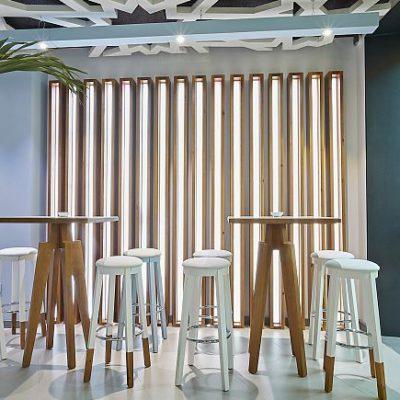 La decoración de adapta la multifunción del bar. Fotos de Julio González cedidas por Velvet Projets
