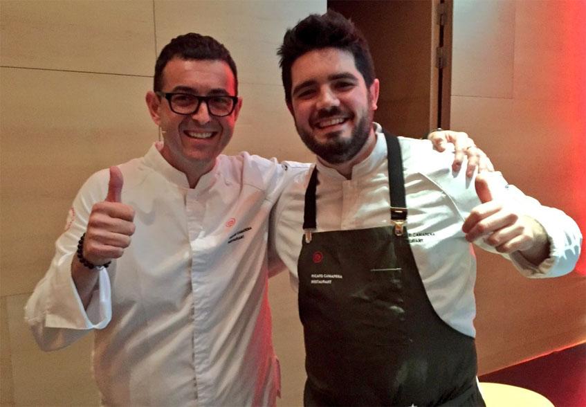 Ricard Camarena junto al cocinero gaditano Pedro Aguilera. Foto: Cedida por Pepe Ferrer.