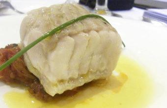 Raya en tomate del restaurante El Faro de Cádiz. Foto: Cosasdecome