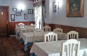 Aspecto del comedor remozado del restaurante El Perro de Paterna. Foto: Cosasdecome