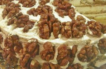 Tarta de nueces caramelizadas de La Ponderosa. Foto: Cosasdecome