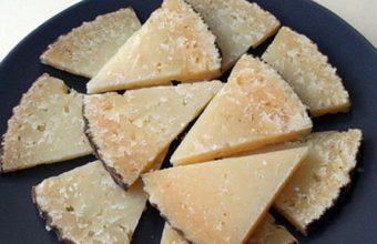queso-de-pajarete-cortado-847