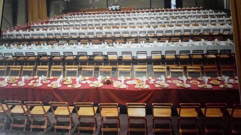 Así quedo el pabellón preparado para el convite. Foto: Cedida por Encarna Olid.