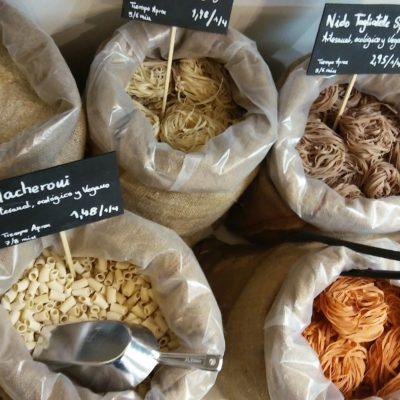 Las pastas son originales y creación de una cooperativa de italianos en Navarra.