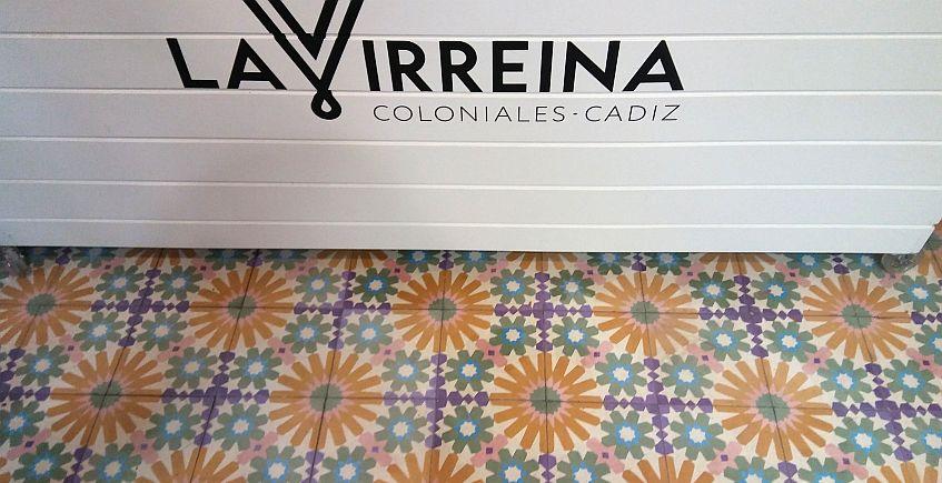 Detalle de la decoración. La identidad corporativa es obra de la empresa gaditana Cadigrafía.