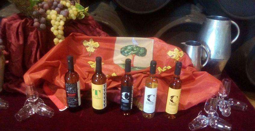 La cooperativa Albarizas celebra su 40 aniversario embotellando sus vinos