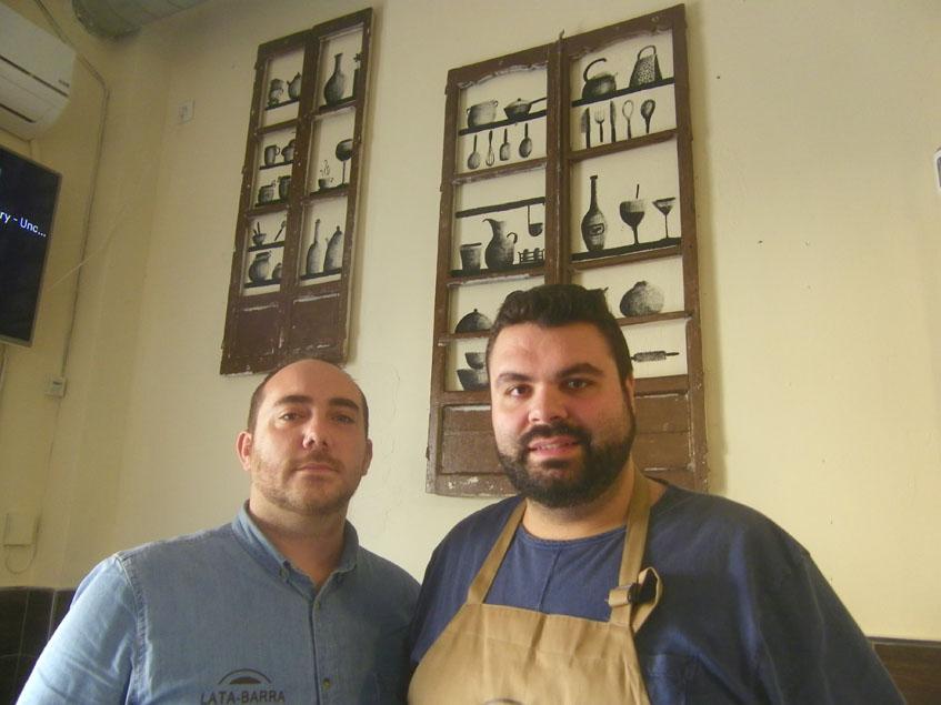 Antonio Monje y José Alberto Muñoz, los impulsores de Lata-barra. Foto: Cosasdecome