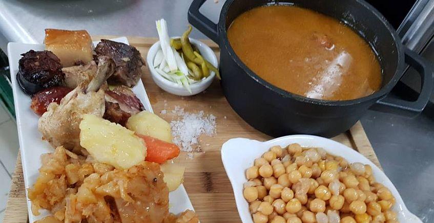 El Embarcadero de Rota ofrece los jueves cocido madrileño en uno o dos vuelcos