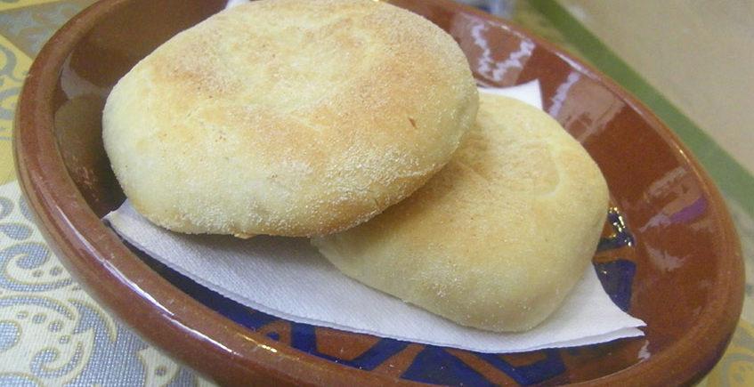 12 de abril. Cádiz. Tertulia gastronómica sobre el pan en el Ateneo