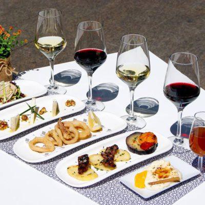 Los platos, con sus vinos