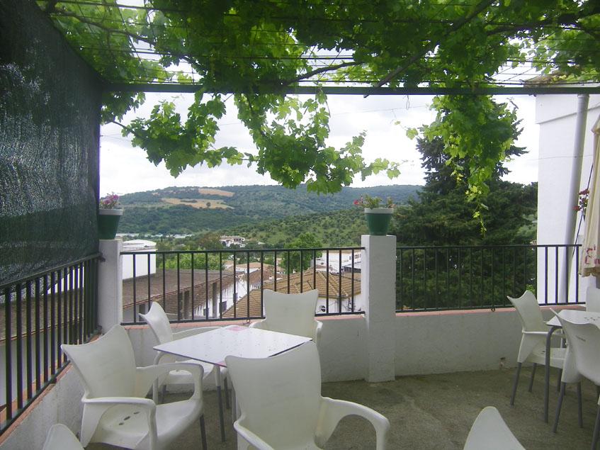 Vistas desde la terraza del bar Peña Albarracin. Foto: Cosasdecome