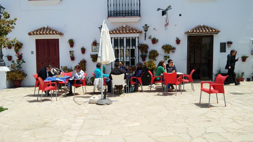 Terraza del bar Josefi. Foto: Cosasdecome