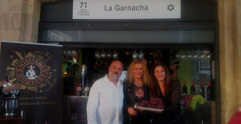 Vinos y tapas cuidadas en un nuevo puesto del Mercado de Cádiz