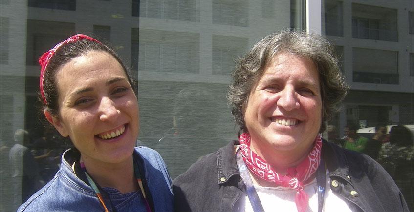 Las cocineras María Triana y Mari Cruz González. Foto: Cosasdecome