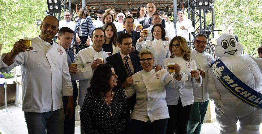 Chaquetillas para los siete restaurantes Bib Gourmand de Cádiz
