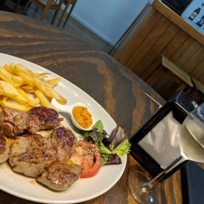 Uno de los primeros platos calientes que ofrecieron en Cátalo fue la carne gallega.