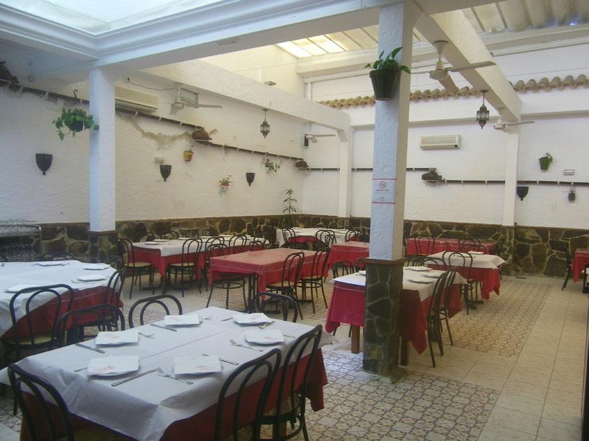Uno de los comedores de Casa Jose Luis en Puerto Real. Foto: Cosasdecome
