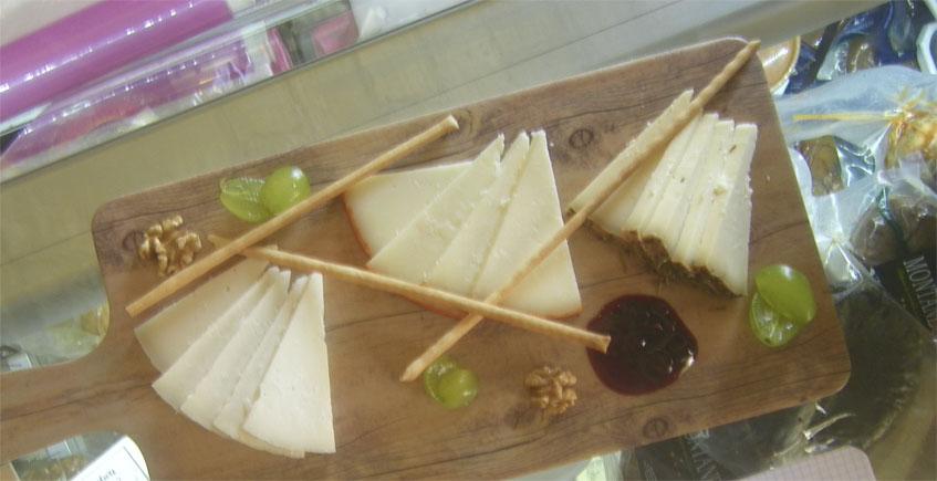 La tabla de quesos, uno de los platos que se sirven en el establecimiento. Foto: Cosasdecome