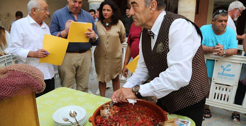 El cocinero Sergio Izquierdo del Hotel Playa de La Luz gana el premio a la mejor Urta a la Roteña
