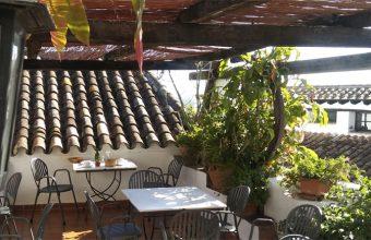 La terraza de El Anón. Foto: Cosasdecome