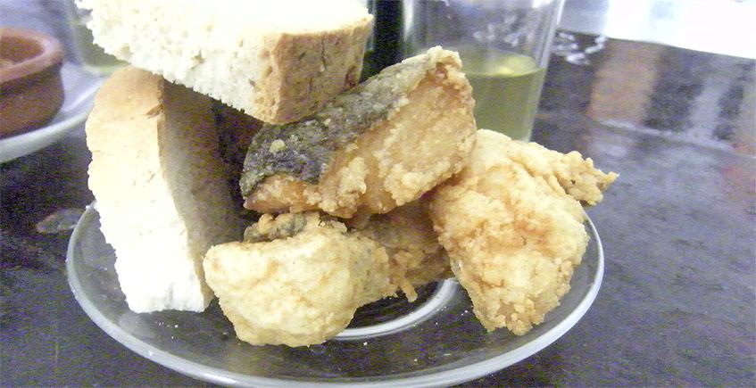 El bacalao frito del Mosto Nicolás. Foto: Cosasdecome