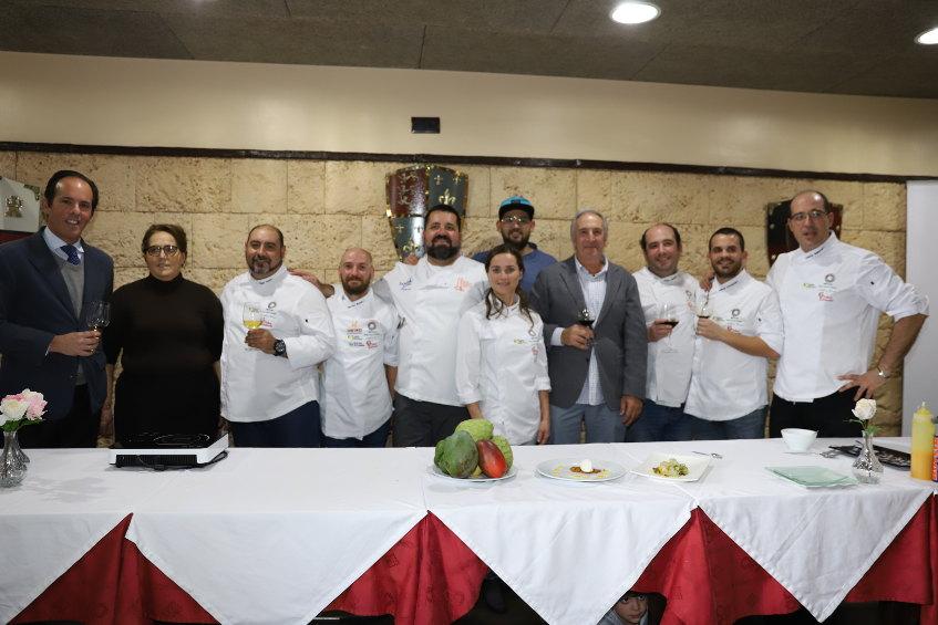 Los cocineros y empresas asistentes al encuentro. Foto: Antonio José Candón