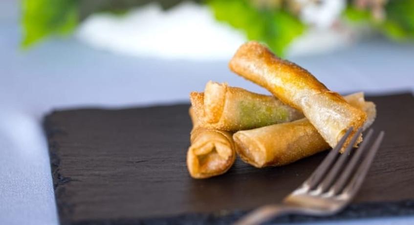 Brick de tarantelo de atún de almadraba, sashimi y ensalada de Wakame, uno de los platos que prepara Ultimatun. Foto: Cedida por Ultimatun.