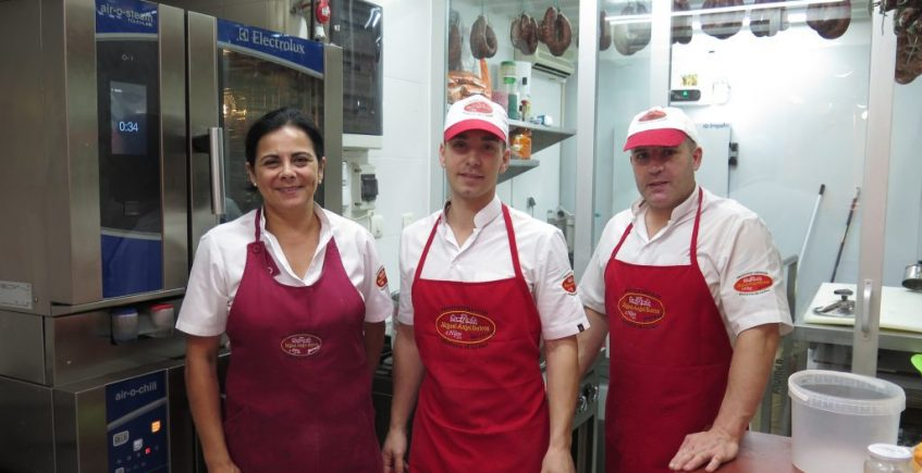 El horno y la cocina de Butrón revolucionan el Mercado de La Isla
