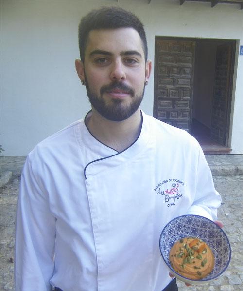 El cocinero Jesús Sánchez Garvaez, autor de esta receta. Foto: Cosasdecome