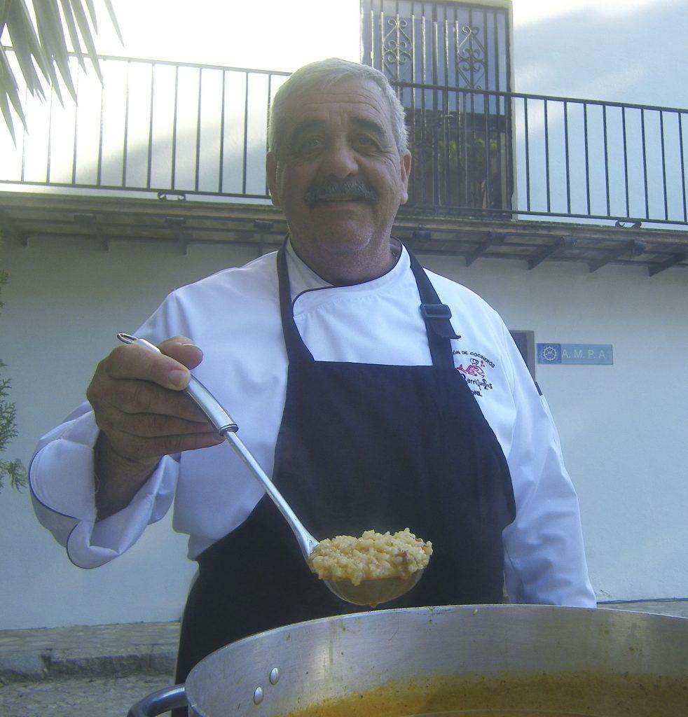 El cocinero Manolo Pérez Flor elaboraó un arroz con faisán y boniatos, ambos productos de la Finca Las Lomas. Foto: Cosasdecome