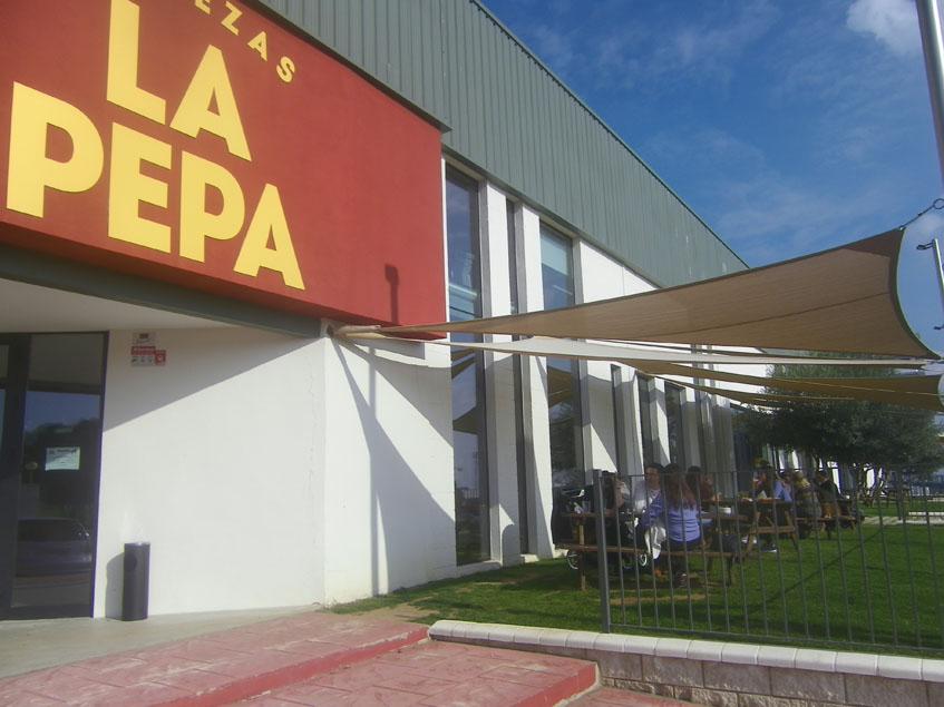 La terraza de La Pepa. Foto: Cosasdecome
