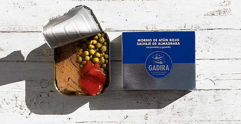 La nueva conserva de Gadira une mormo de atún con guisantes y pimientos