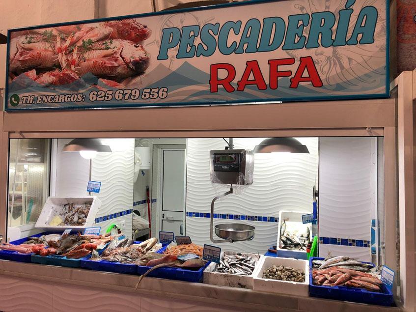 La nueva pescaderia del mercado central de abastos de La Línea. Foto: Cedida por el bar freiduría Jardines
