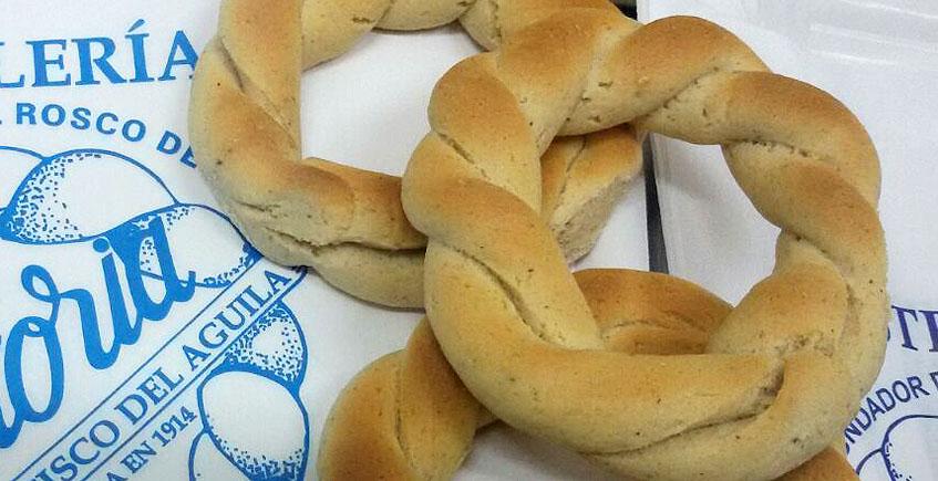 Ya hay roscos de Semana Santa en la pastelería La Victoria de San Fernando