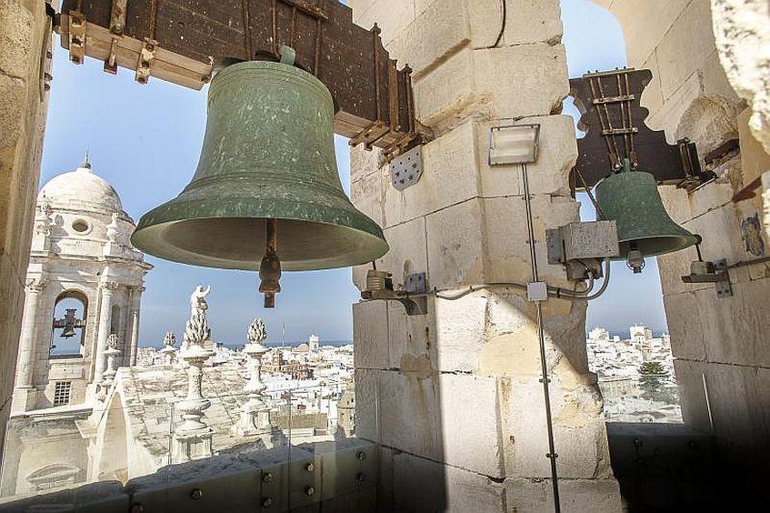 El campanario de la torre del Levante o del Reloj. La foto es de Turismo del Ayuntamiento de Cádiz.