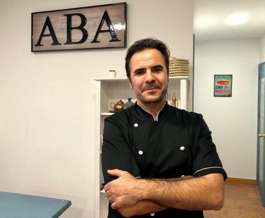 Paco Bravo, propietario y cocinero de ABA bar. Foto: CosasdeComé