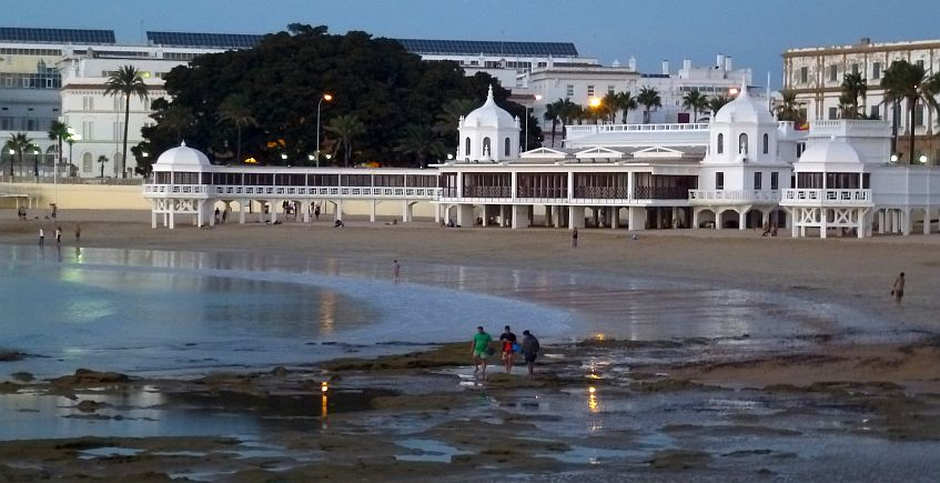 Cádiz en doce horas: La ciudad de los poquitos