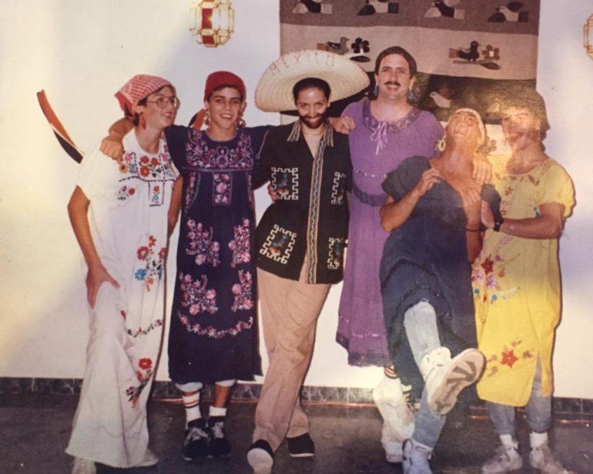 Personal de Casa Texas México en sus inicios. Foto cedida por el establecimiento
