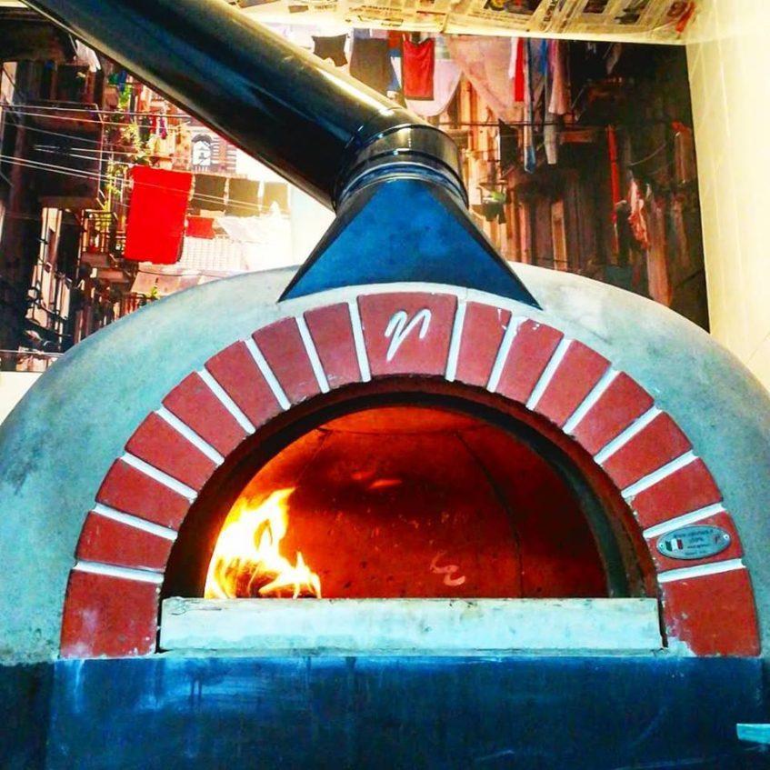 Horno de leña de Pizzetta. Foto cedida por el establecimiento