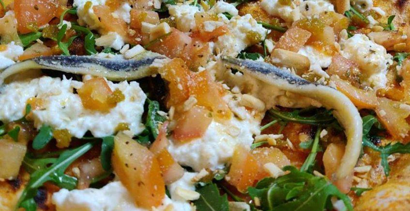Pizza napolitana 'a lo lentito' y con un toque de Manzanilla