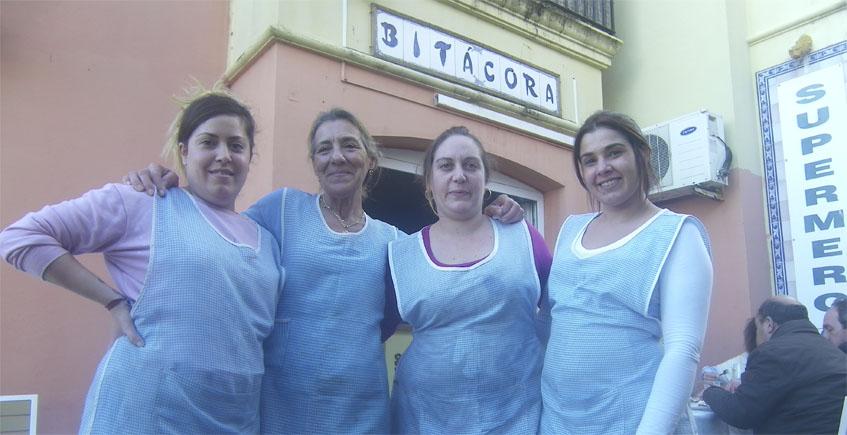 El equipo de Bitácora en Puerto Sherry. Foto: Cosasdecome