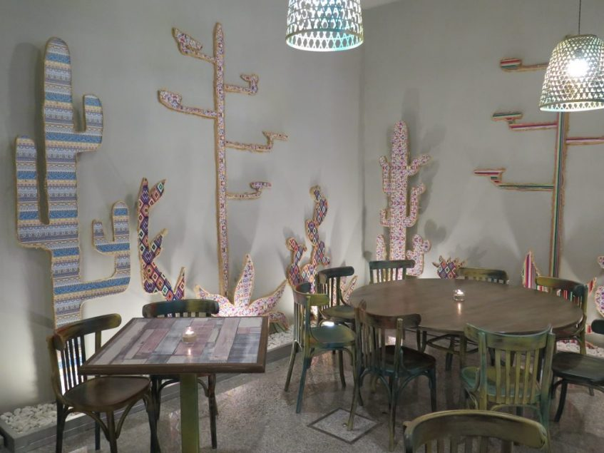 Cactus de papel pintado. Foto: CosasDeComé.