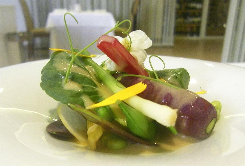 El plato de verduras ecológicas de Mantúa. Foto: Cosasdecome