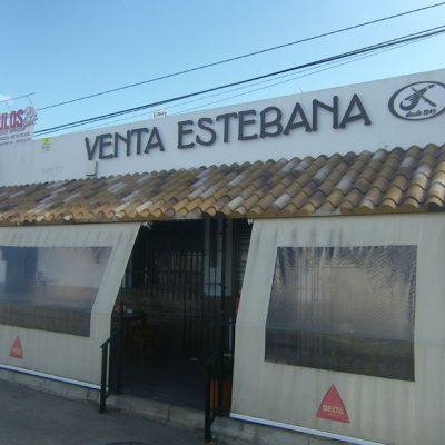 Vista exterior de la Venta Estebana. Foto: Cosasdecome